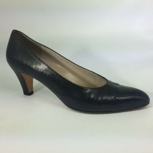 Salvatore Ferragamo Black Snake Print Leather Pump